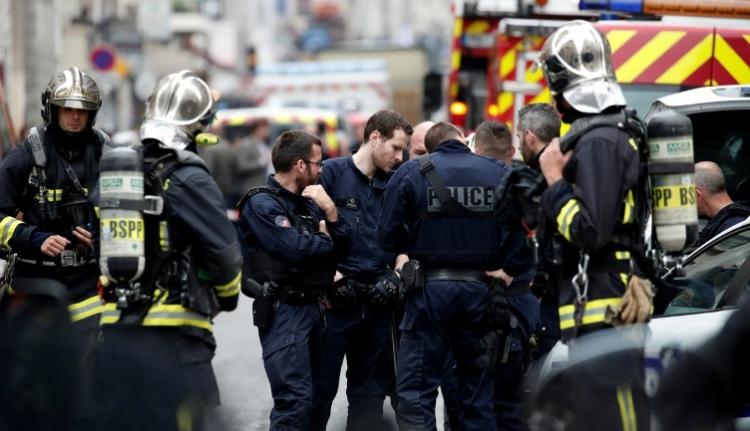 Túszokat ejtett egy férfi Párizs egyik belvárosi IT-cégénél (FRISSÍTVE)