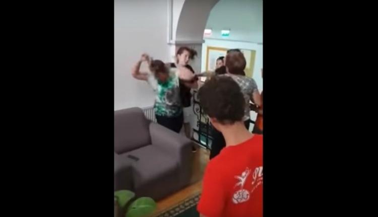 Ha megverik is őket, nem videózhatnak a halláskárosultak kolozsvári iskolájának diákjai