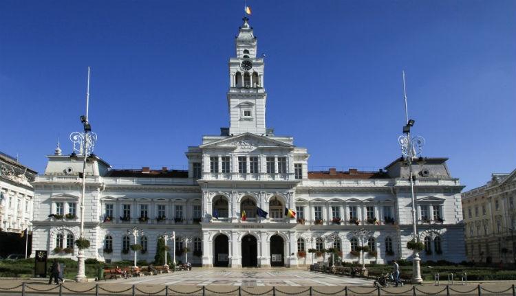 Lenyúlná a román állam a várostól az aradi városházát