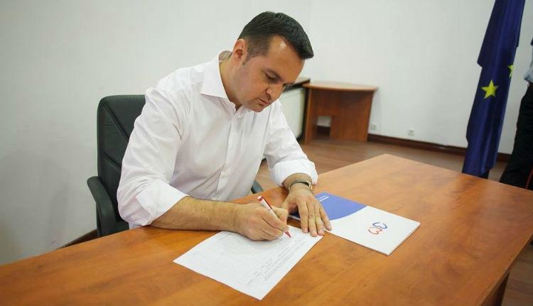 Büntetőügyes polgármester is aláírta a büntetőügyesek nélküli közszférát követelő indítványt