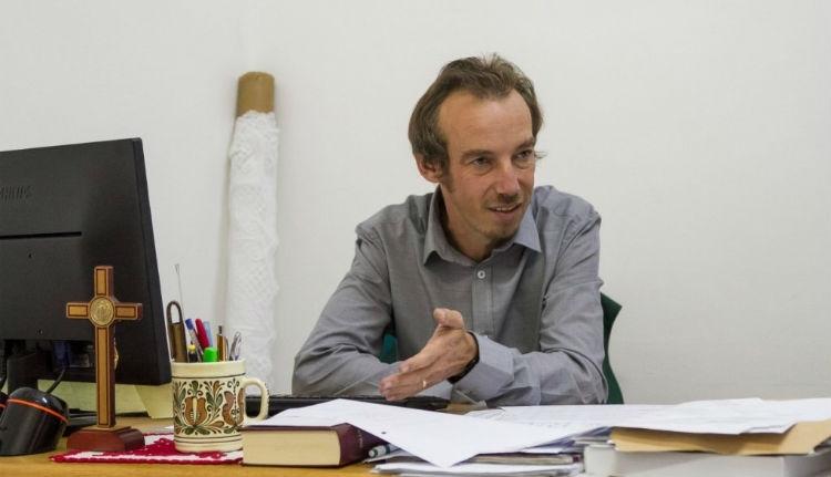 Hivatalosan is megkezdte működését a katolikus gimnázium, Tamási Zsolttal az élén