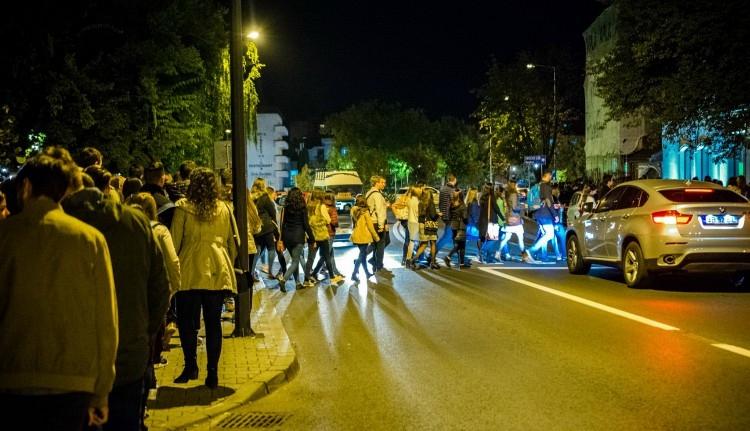 MOGYE-ügy: tüntetéssel indította a tanévet a jövőjét féltő magyar tagozat