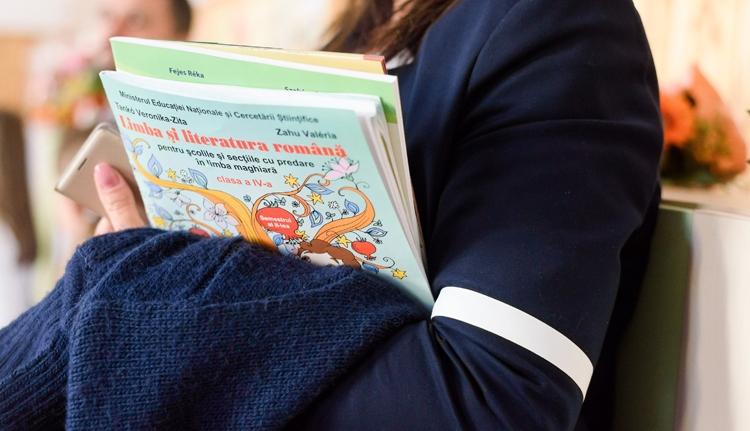 Újból fizetik a magyar tanítóknak a plusz órákat