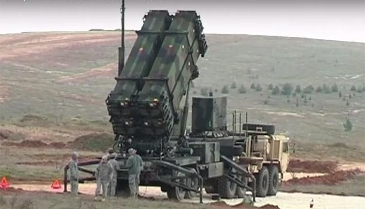 Újabb adag amerikai Patriot rakétára költötték az adólejeinket