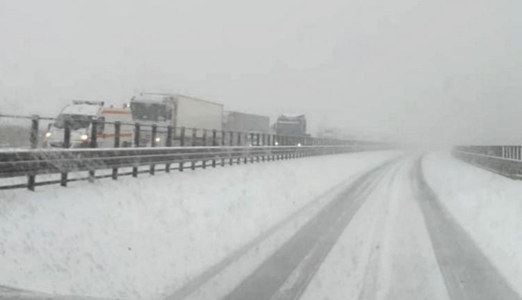 Tippelhet! Ön szerint eltakarították a havat a Nagy Erdélyi Autópályáról?