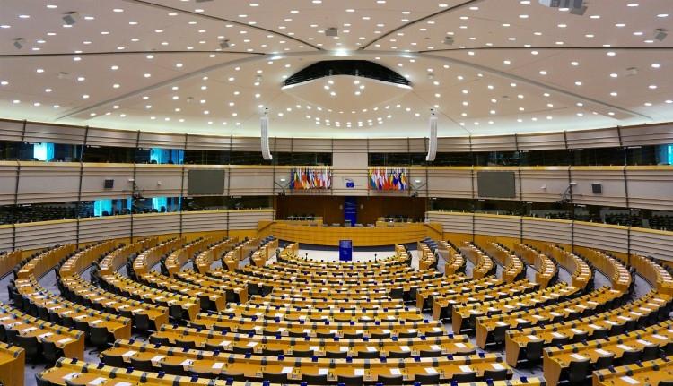 Lejárt a határidő, öten pályázzák meg a befutó helyeket az RMDSZ EP-jelöltlistáján