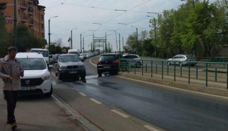 Rejtély Aradon: vajon hogyan hajtott a polgármester autója vilamosmegállóba, ha senki sem vezette?