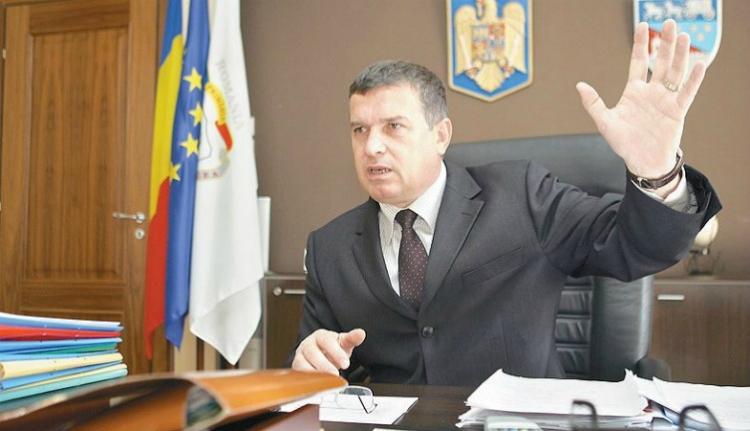 Leperli a gatyát a román államról egy korrupció miatt elítélt politikus