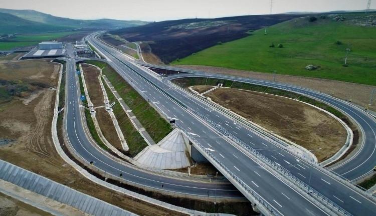 Rámászott a talaj az észak-erdélyi autópályára