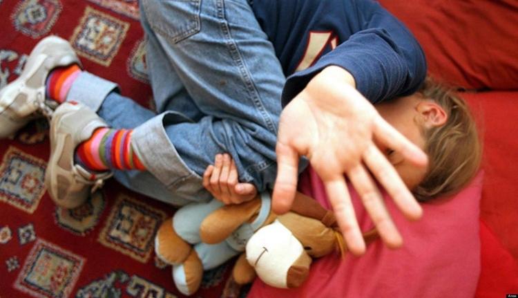 Megnehezítik a szexuális bűnelkövetők életét Romániában