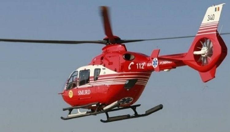 Mentőhelikopterrel hoztak le a hegyekből egy fiatalt, akinek hasmenése van