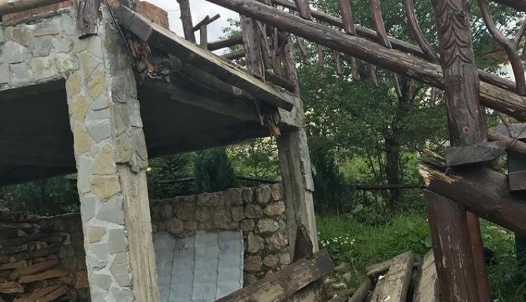 Egyszerre nyolc turista zuhant a mélybe Brassó megyében