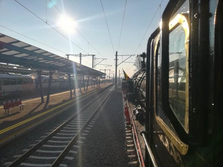 Már Franciaországból is eljönnek Erdélybe, hogy vonat tetején csapassák meg magukat az árammal