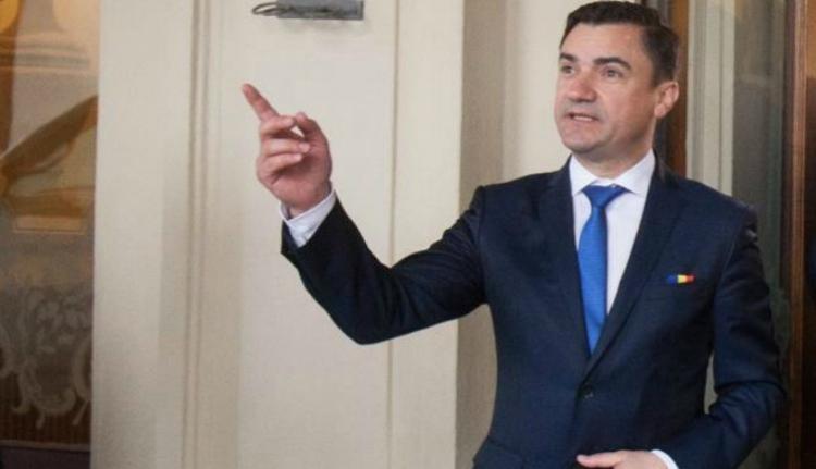 Nyugatot a román vendégmunkásoktól, Romániát pedig a fáról nemrég lemászott népektől félti egy polgármester
