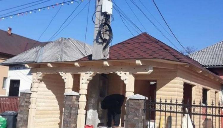 Ilyen gigászi büntetést kapott a villanyoszlopot a házába beépítő máramarosi férfi