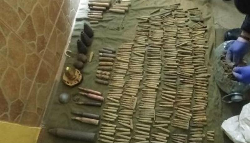 Egész kis lőszerarzenált találtak egy nagyváradi férfi otthonában, miután az arcába robbant a gyűjtemény egyik darabja