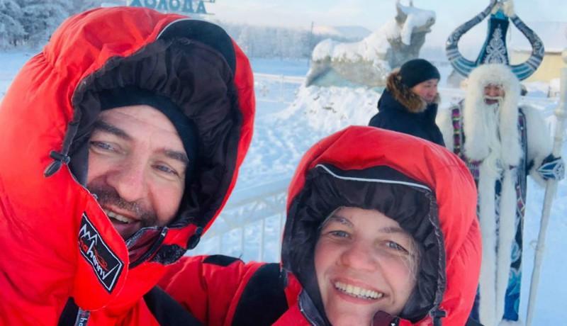 Leparkolta a Daciát a Föld hidegpólusánál a Szibériában utazgató szatmári házaspár