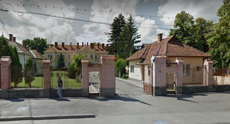 Kitessékelte a munkaügyi minisztert egy kolozsvári portás a gyermekvédelmi hivatalból
