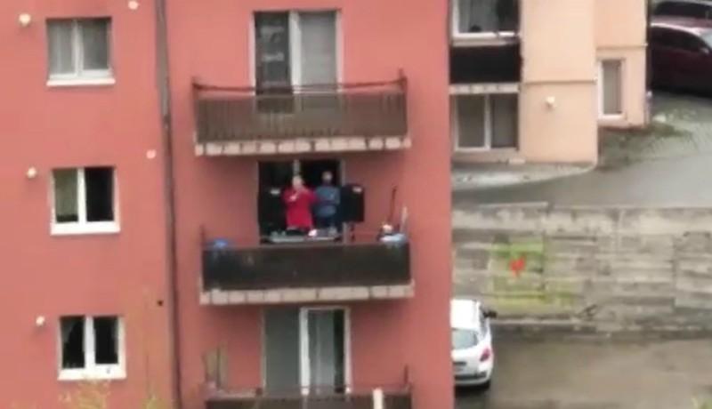 Lakótelepi diszkó járvány idején: latin ritmusokkal szórakoztatta szomszédait egy kolozsvári férfi