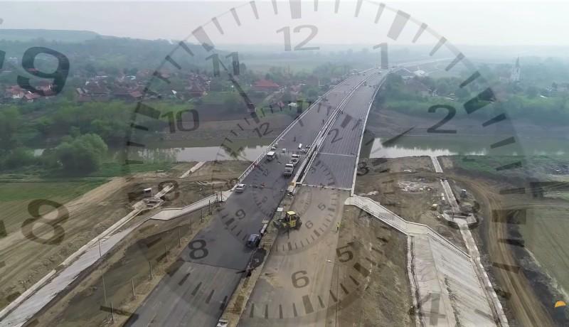 A miniszter összeszámolta, idén hány kilométernyi új autópályán szeretné átvágni a szalagot