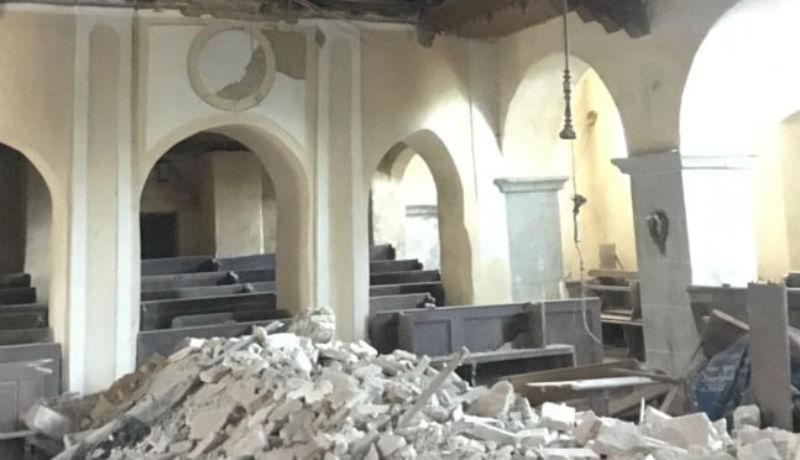 Így pusztul Erdély épített öröksége: beomlott egy Szeben megyei evangélikus templom mennyezete