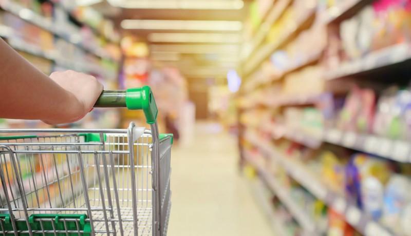 Lehetőleg egyszerre csak egy családtag induljon el vásárolni – üzenik a szupermarketek képviselői