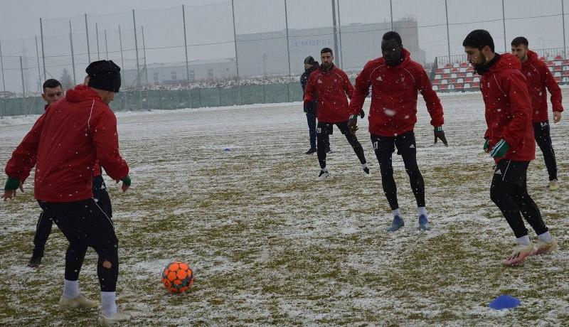 Tavaszi szezon télen – avagy a román focibajnokság kínzó kérdései