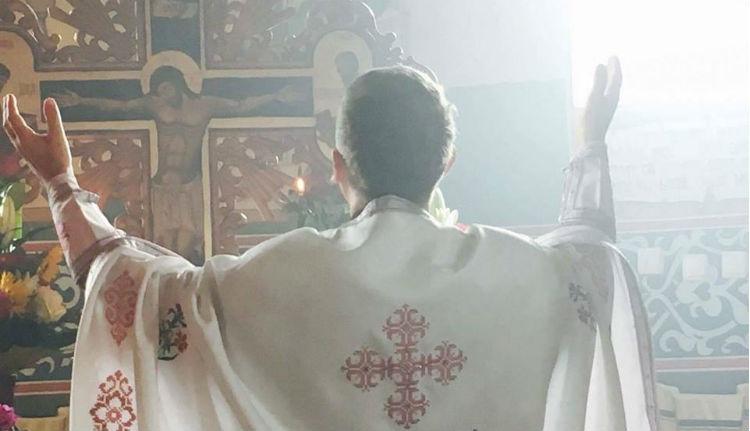 A legkeményebb csodafegyverrel buzdítanák oltakozásra a lakosságot: az ortodox egyház bevetésével!