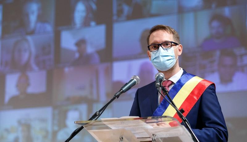 Nem csak a magyarokat, Temesvár német polgármesterét is Románián kívül akarják látni a Covid-ellenes tüntetők