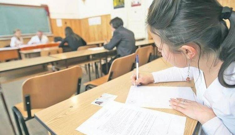 Ha ön tanár, és nem oltatta be magát, akkor megtörténhet, hogy nem lehet jelen az érettségin és a képességfelmérőkön
