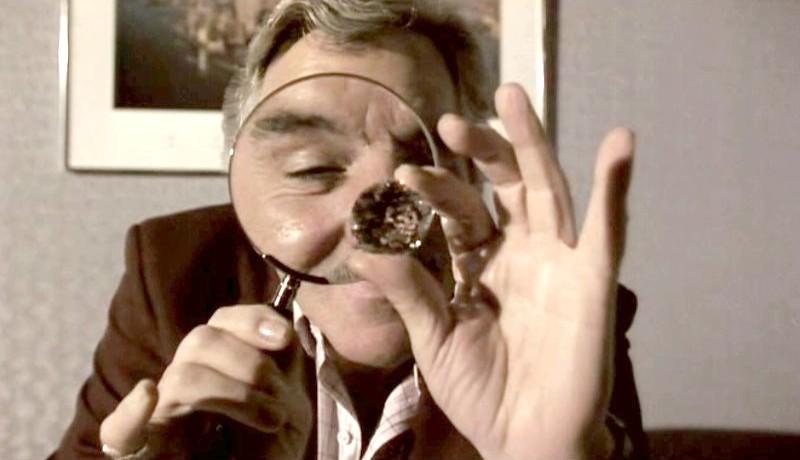 Lulu Lakatos kimarkolta a brit luxusboltból a gyémántot, szórt a helyükre kerti kavicsot, az alkalmazottak meg csak pislogtak másnap