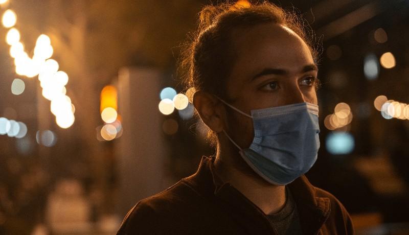 Emelkedni kezdett az új fertőzöttek száma, nemsokára jöhet a harmadik oltásadag, de a vírus delta variánsa is