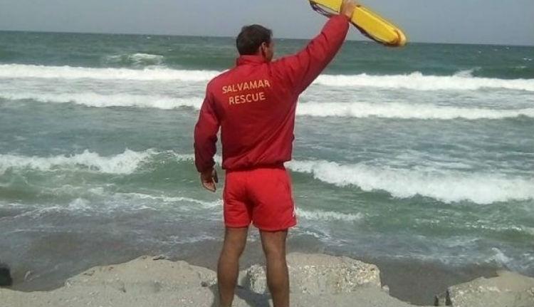 Vadul pörög a csúcsszezon: agyba-főbe vertek két vízimentőt a tengerparton