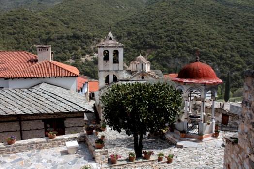 Καθολικό - Νιπτήρας-small