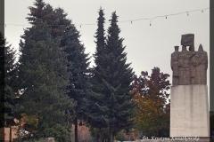 Pomnik 04