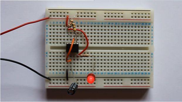 Led Flashing With 555timer Led Flashing In Proteus 555timer