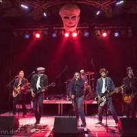 """Die vorletzte Band """"Asses of Fire"""" auf der Wrestling-Veranstaltung """"Better be Dead Circus - Horror küsst Wrestling küsst Rockmusik"""" am 30.04.2015 in Dresden, Reithalle, Strasse E"""