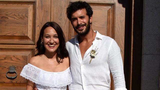 Gupse Özay ve Barış Arduç, 6 yıllık birlikteliklerini evlilikle taçlandırdı