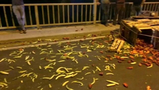 Son dakika genel: Şanlıurfa'da trafik kazası: Hafif ticari aracın çarptığı motosiklet sürücüsü ağır yaralandı