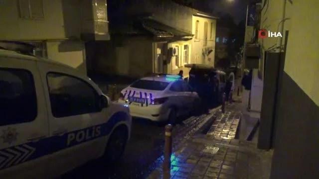 İzmir'de yakayı ele veren hırsızlar ev sahibini bıçakladı