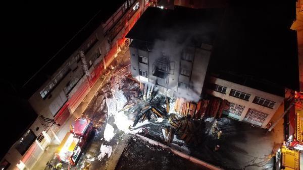 İzmir'de marangoz atölyesi alev alev yandı