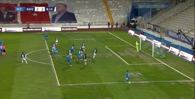 BB Erzurumspor-Beşiktaş maçının ilk yarısına kalecilerin hataları damga vurdu