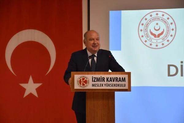 İzmir'deöğrencileriçin 'Kariyer Günleri' başladı