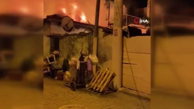 İzmir'de müstakil ev alev alev yandı: 1 yaralı