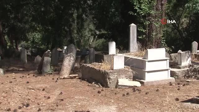 kemalpasa osmanli mezarlarini agirliyor 14160571 o