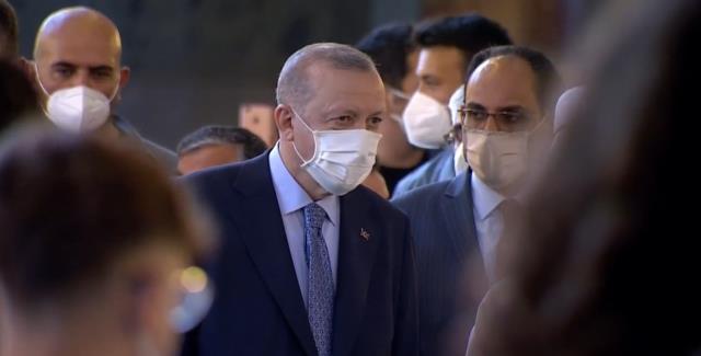 cumhurbaskani erdogan ayasofya camii nde kuran i 14163576 1369 m