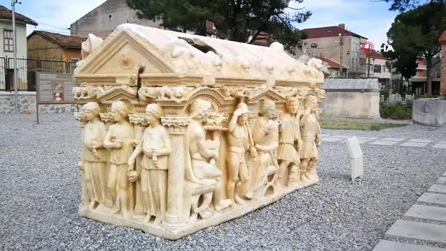 bu mezarlar sanat eserlerini aratmiyor 2 14172004 o