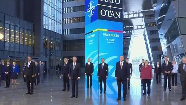 NATO Zirvesi'nde katılan 30 lider, aile fotoğrafı çektirdi