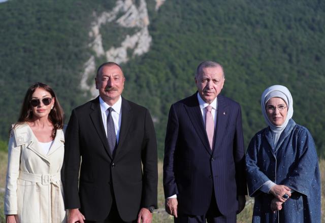 cumhurbaskani erdogan a azerbaycan da buyuk 14203069 792 m