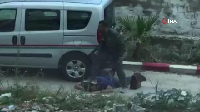 Son dakika haberleri! İzmir'de icra avukatına darp ve silahla tehdit anları kamerada